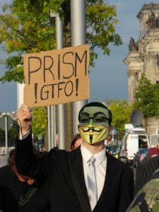 Prism GTFO (Get the fuck out) — Pro-Asyl-Demo für Edward Snowden in Berlin