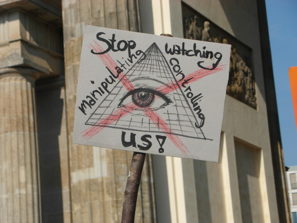 Abb. 24: StopWatchingUs Demo Berlin 2013 — Stop watching, manipulating, controlling us!